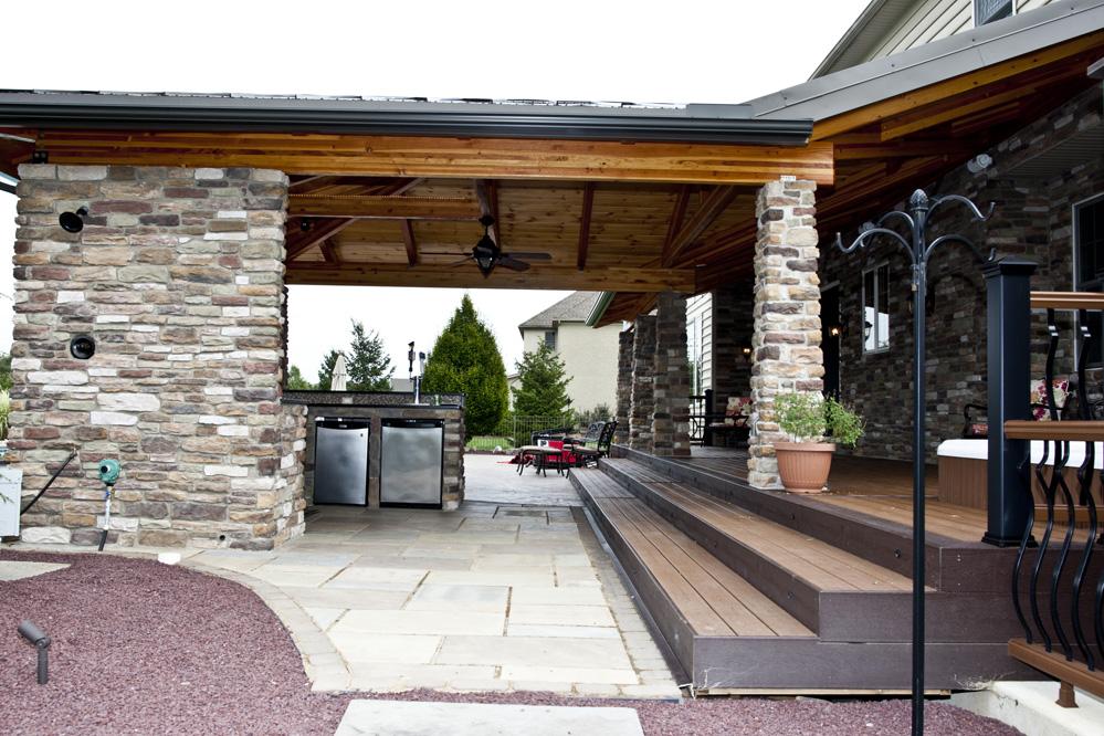 Indoor/Outdoor Kitchens 4